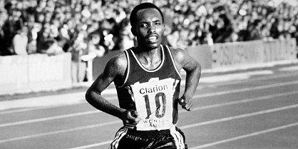 Muere primer atleta africano en batir el record de 10 mil metros