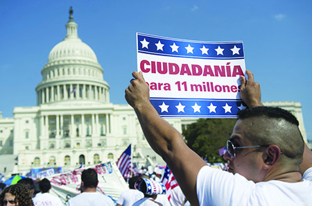 El Senado aprueba Reforma Migratoria