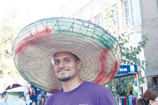 Desfile y fiestas patrias de la Calle 4