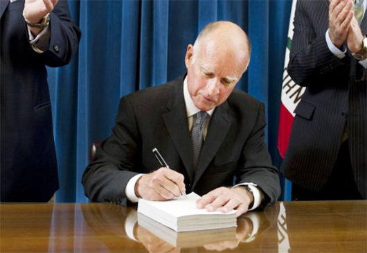Las firmas de Jerry Brown