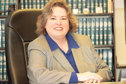 Comisionada Carmen Luege busca ser jueza de O.C.