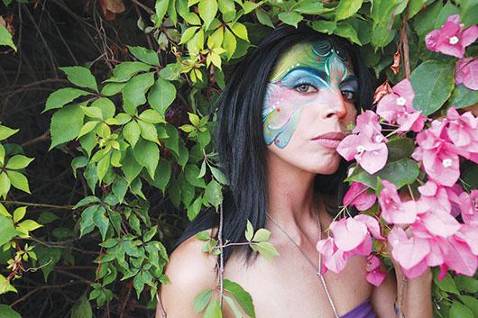 Gab Tolentino quiebra estereotipos de la plástica artística mexicana