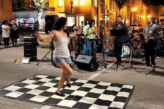 Art Walk el primer sábado del mes en Santa Ana