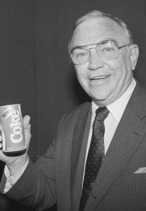 Donald Keough, embajador de Coca-Cola