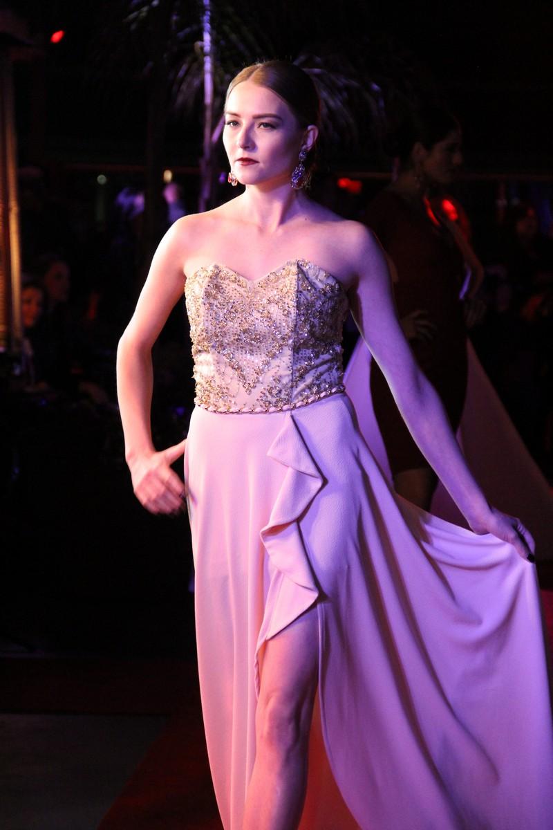 Una noche de belleza y elegancia con la Colección GLAUDI 2015 en Los ...