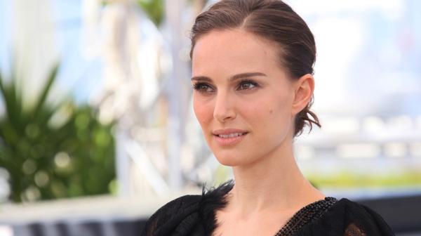 Menos es más. La belleza al natural de Winona Ryder confirma que es uno de los puntos que más seduce a los hombres (Shutterstock)