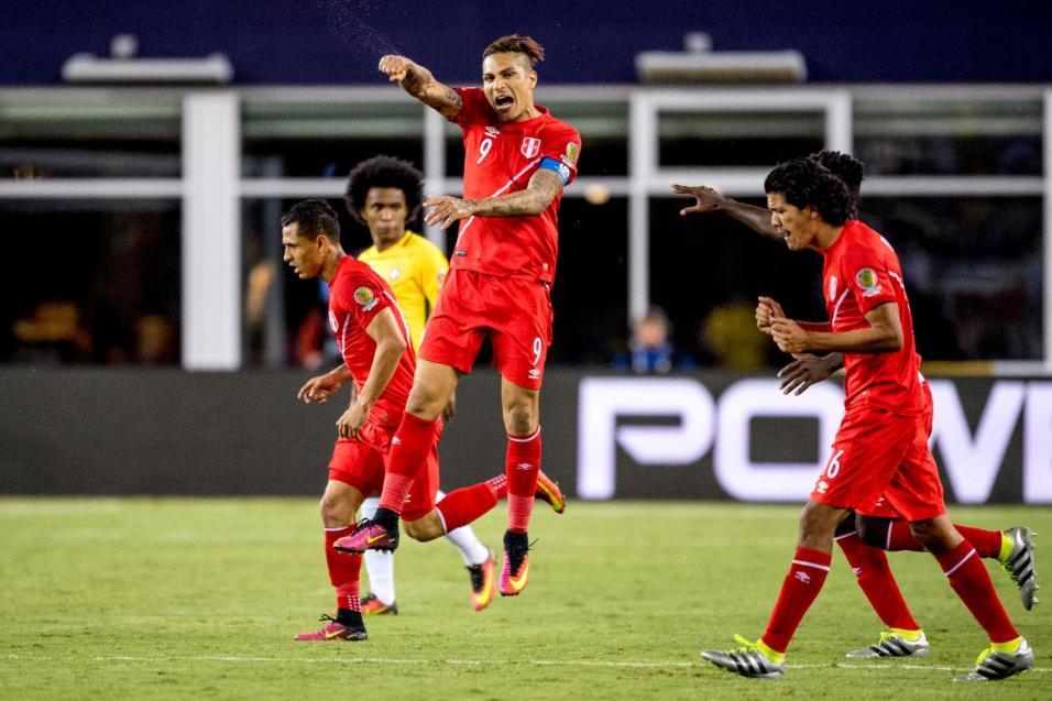 Ecuador 4 – Haiti 0 / Perú 1 – Brasil 0
