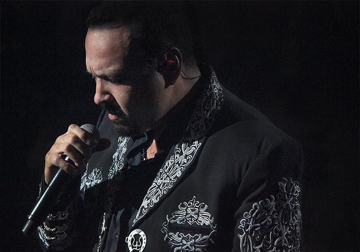"Pepe Aguilar ""No Te Lo Había Dicho"" gira 2016."