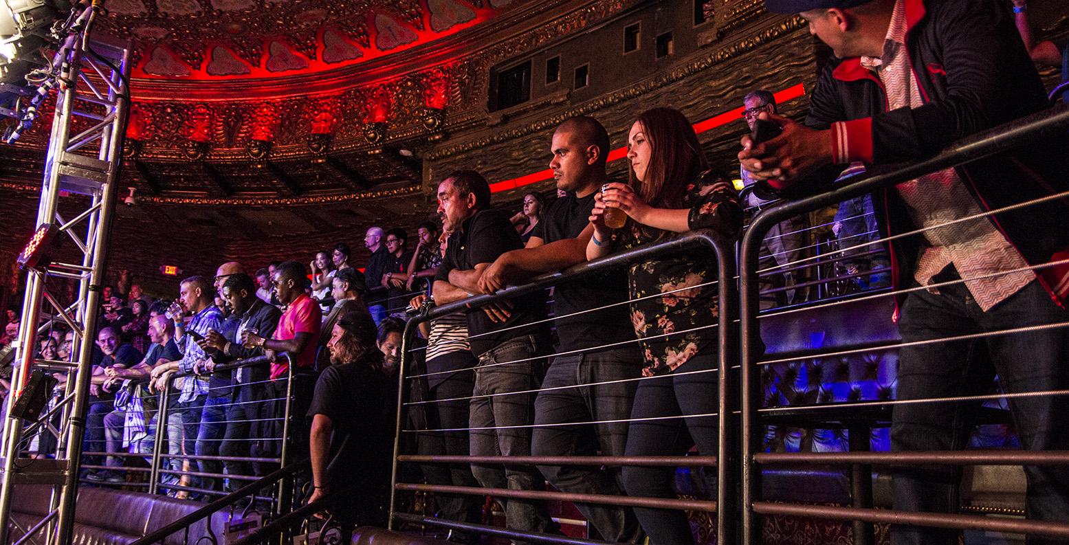 Isreal Visita La Lona Por Cortesía de Alexis Rocha en Belasco Theater