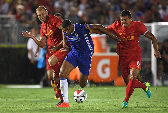 LOS ANGELES, CA - JULY 28:  Ruben Loftus-Cheek holds off a tackle from Dejan Lovren and Ragnar Klavan of Liverpool during the 2016 International Champions Cup match between Chelsea and Liverpool on July 28, 2016 in Los Angeles, California.  (Photo by Darren Walsh/Chelsea FC via Getty Images)